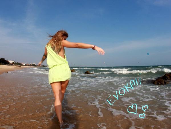 Evokaii Women Surf Fashion Hoodies Milena Krawetz Mui Ne