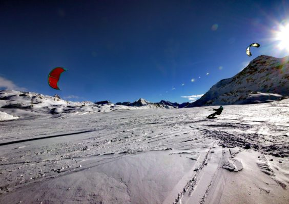 Nadine Stippler Snowkiting Bernina